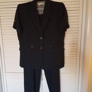 Short Sleeve Pant Suit